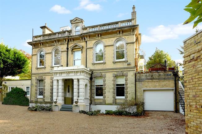 Asking Price £1,275,000, 5 Bedroom Flat For Sale in Tunbridge Wells, TN4