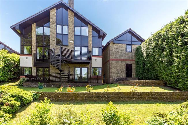 Asking Price £935,000, 5 Bedroom Detached House For Sale in Tunbridge Wells, TN2