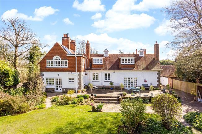 Asking Price £1,100,000, 5 Bedroom Detached House For Sale in Cranbrook, Kent, TN17