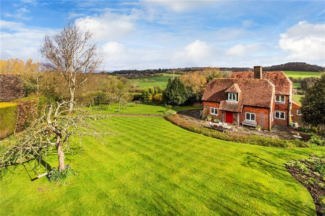 Guide Price £1,695,000, 4 Bedroom Detached House For Sale in Penshurst, TN11