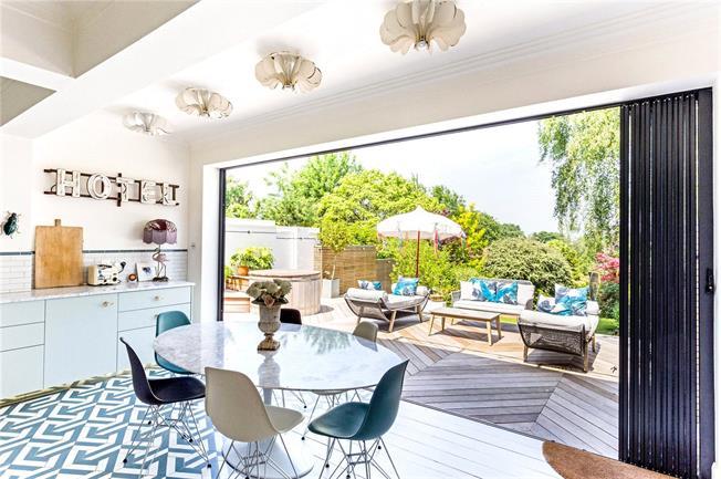 Asking Price £1,195,000, 5 Bedroom Semi Detached House For Sale in Tunbridge Wells, TN2