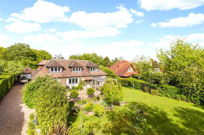 Asking Price £1,275,000, 5 Bedroom Detached House For Sale in Kent, TN2