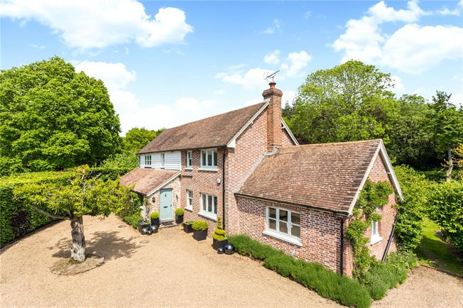Asking Price £1,295,000, 4 Bedroom Detached House For Sale in Wadhurst, TN5