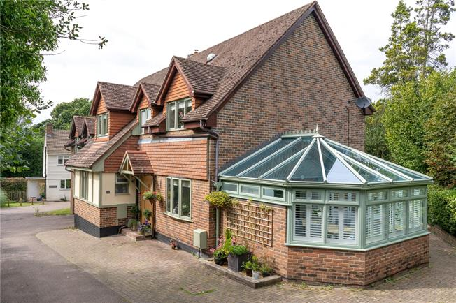 Asking Price £1,025,000, 5 Bedroom Detached House For Sale in Tunbridge Wells, TN2
