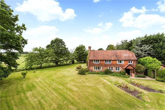 Asking Price £925,000, 4 Bedroom Detached House For Sale in Tonbridge, Kent, TN12