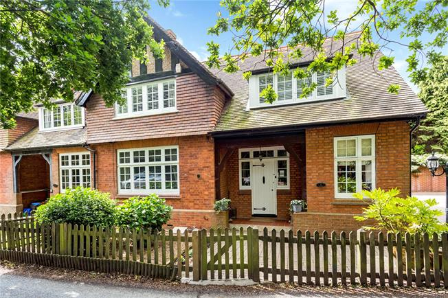 Asking Price £865,000, 4 Bedroom Semi Detached House For Sale in Tunbridge Wells, TN2