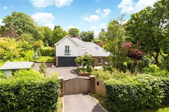 Asking Price £1,050,000, 5 Bedroom Detached House For Sale in Crowborough, TN6
