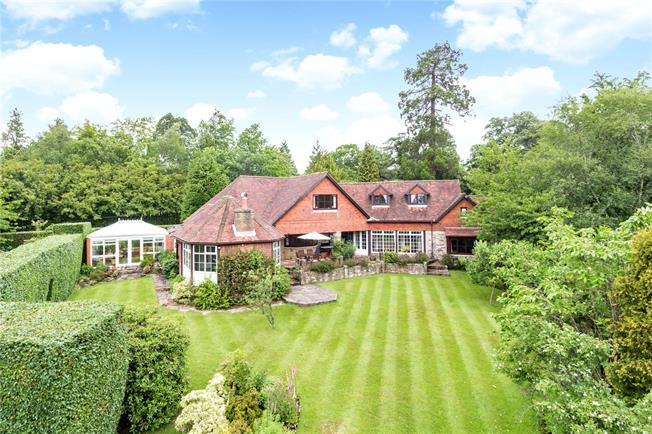 Asking Price £1,195,000, 5 Bedroom Detached House For Sale in East Sussex, TN6