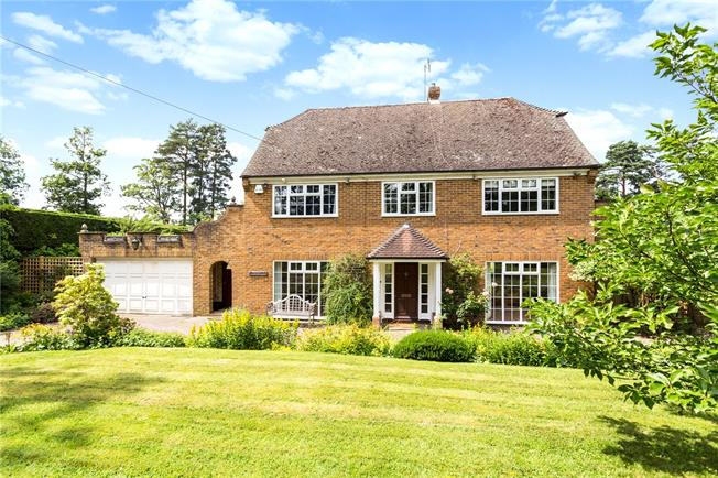 Asking Price £895,000, 5 Bedroom Detached House For Sale in East Sussex, TN5