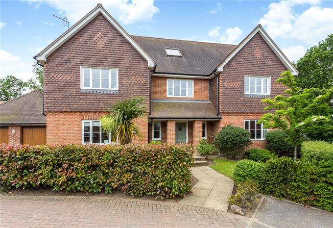 Asking Price £1,295,000, 5 Bedroom Detached House For Sale in Speldhurst, TN3