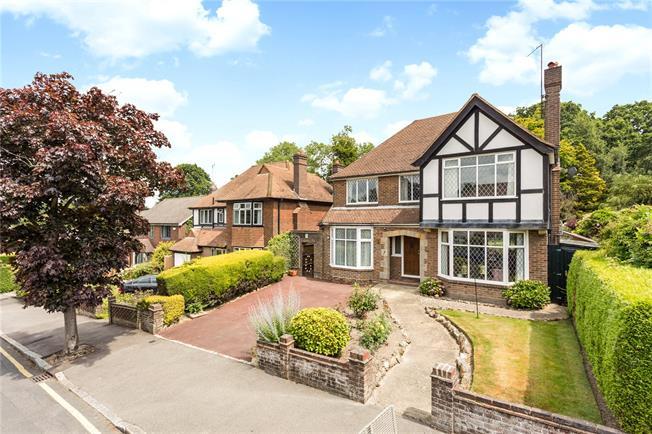 Asking Price £995,000, 5 Bedroom Detached House For Sale in Tunbridge Wells, TN4