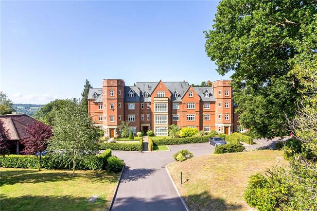Asking Price £1,150,000, 3 Bedroom Flat For Sale in Penshurst, TN11