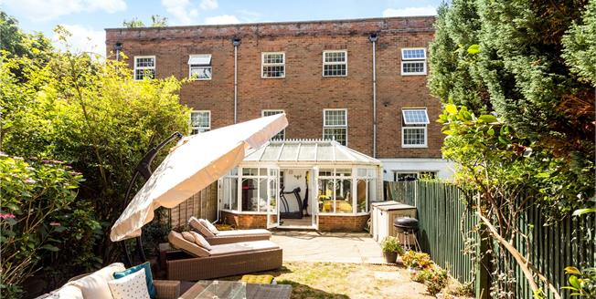 Asking Price £625,000, 4 Bedroom Mews House For Sale in Tunbridge Wells, TN1