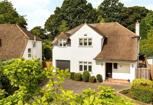 Guide Price £1,095,000, 4 Bedroom Detached House For Sale in Tunbridge Wells, TN4
