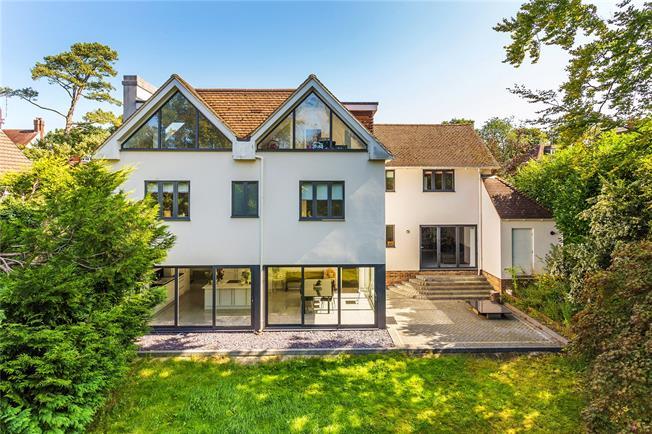 Guide Price £1,495,000, 7 Bedroom Detached House For Sale in Tunbridge Wells, TN4