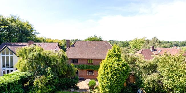 Guide Price £1,100,000, 5 Bedroom Detached House For Sale in Langton Green, TN3