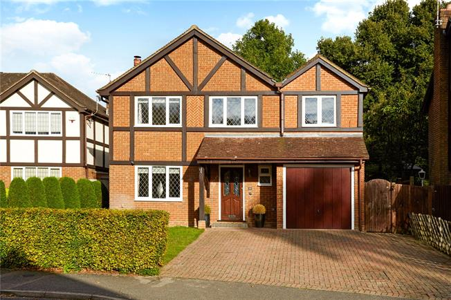 Asking Price £725,000, 4 Bedroom Detached House For Sale in Langton Green, TN3