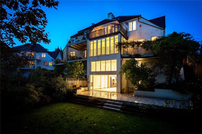 Offers in excess of £1,250,000, 6 Bedroom Semi Detached House For Sale in Tunbridge Wells, TN2