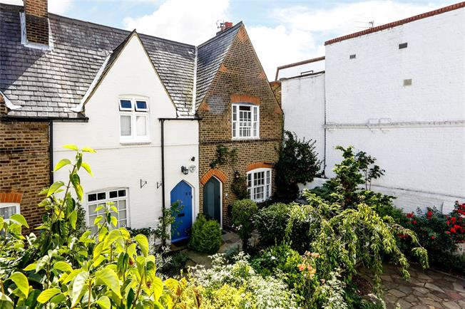 Guide Price £1,075,000, 2 Bedroom Terraced House For Sale in London, SW19