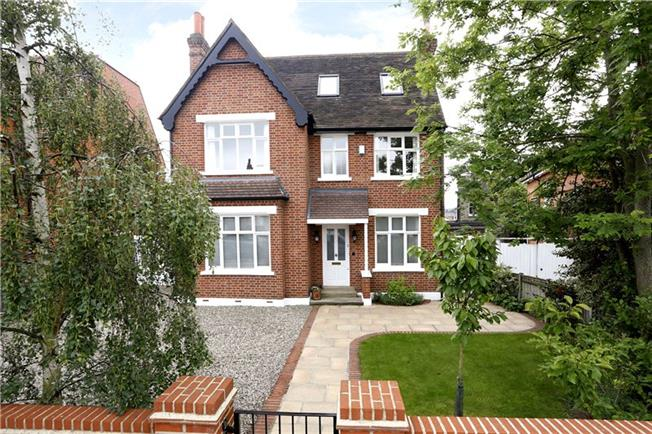 Guide Price £2,000,000, 5 Bedroom Detached House For Sale in London, SW20