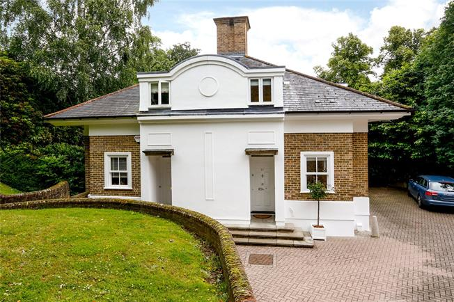 Guide Price £930,000, 3 Bedroom Semi Detached House For Sale in Kingston upon Thames, KT2