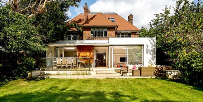 Guide Price £2,600,000, 5 Bedroom Detached House For Sale in London, SW19