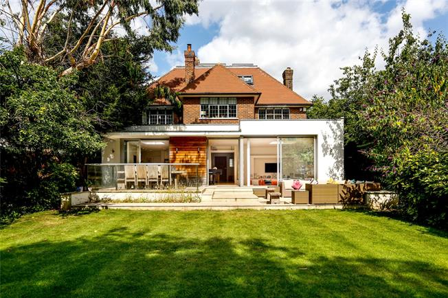 Guide Price £2,750,000, 5 Bedroom Detached House For Sale in London, SW19
