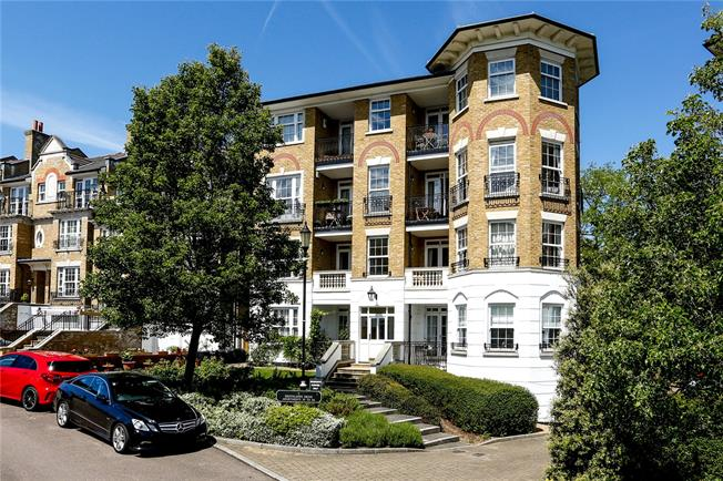 Asking Price £675,000, 2 Bedroom Flat For Sale in London, SW19