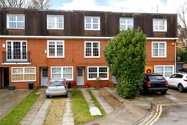 Guide Price £875,000, 4 Bedroom Terraced House For Sale in London, SW20