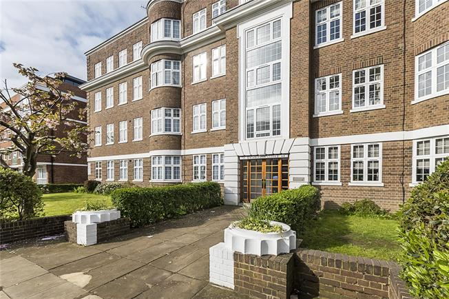 Guide Price £740,000, 2 Bedroom Flat For Sale in London, SW20