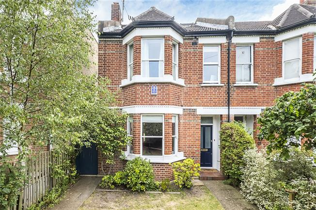 Asking Price £1,350,000, 4 Bedroom Semi Detached House For Sale in London, SW20