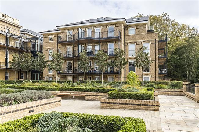 Guide Price £1,999,000, 3 Bedroom Flat For Sale in London, SW20