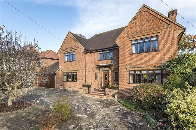 Guide Price £1,850,000, 4 Bedroom Detached House For Sale in New Malden, KT3