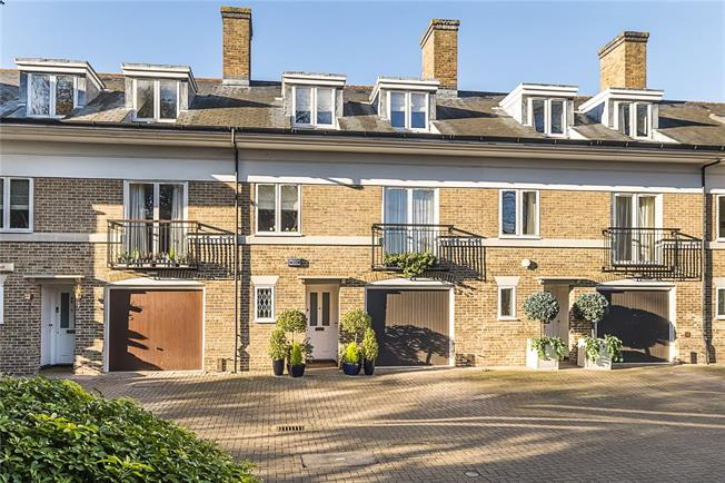 Guide Price £985,000, 4 Bedroom Terraced House For Sale in Kingston upon Thames, KT2