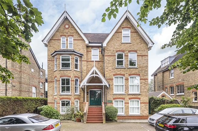 Guide Price £1,375,000, 2 Bedroom Flat For Sale in London, SW19