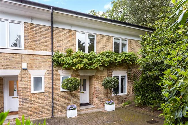 Guide Price £975,000, 4 Bedroom Semi Detached House For Sale in Kingston upon Thames, KT2