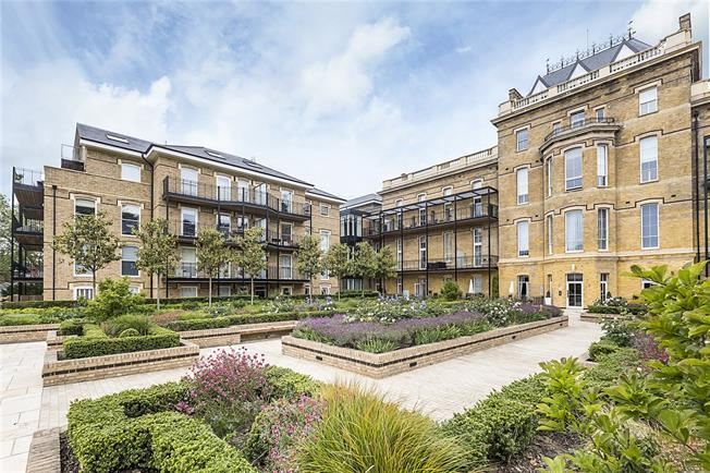 Guide Price £2,000,000, 3 Bedroom Flat For Sale in London, SW20