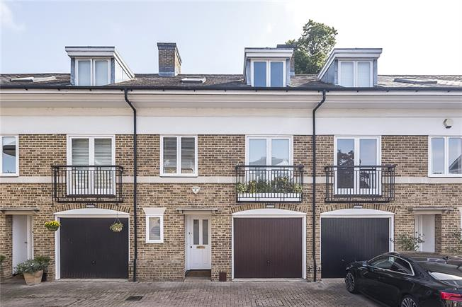 Guide Price £985,000, 3 Bedroom Terraced House For Sale in Kingston upon Thames, KT2