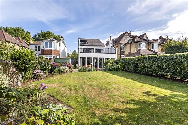 Guide Price £1,595,000, 4 Bedroom Detached House For Sale in London, SW20