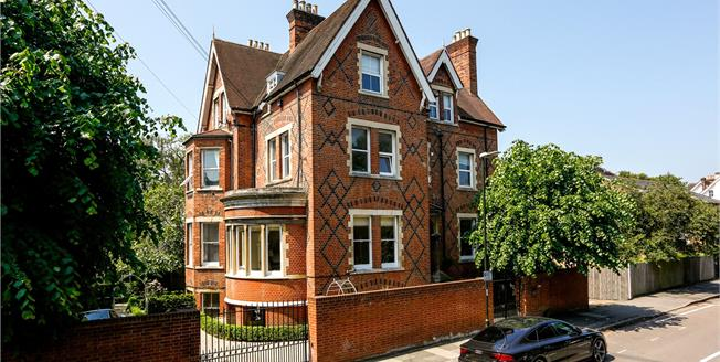 Guide Price £1,650,000, 3 Bedroom Flat For Sale in London, SW19