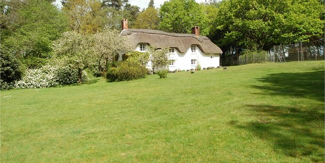 Guide Price £635,000, 3 Bedroom Detached House For Sale in Dorset, BH31
