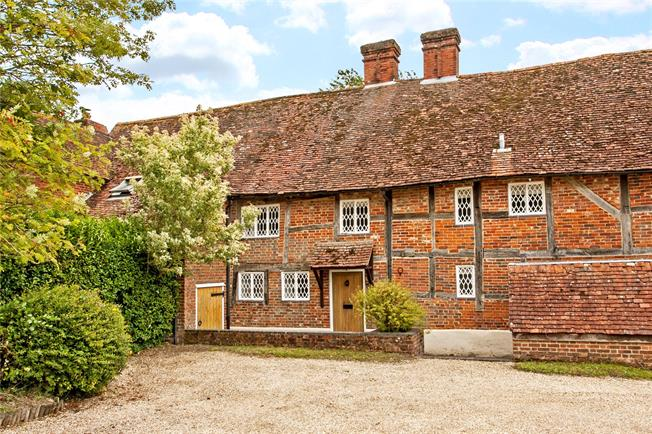 Guide Price £550,000, 3 Bedroom Mews House For Sale in Hursley, SO21