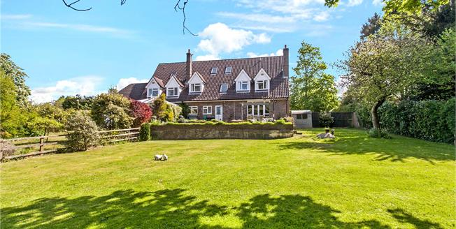 Guide Price £975,000, 6 Bedroom Detached House For Sale in Ropley, SO24
