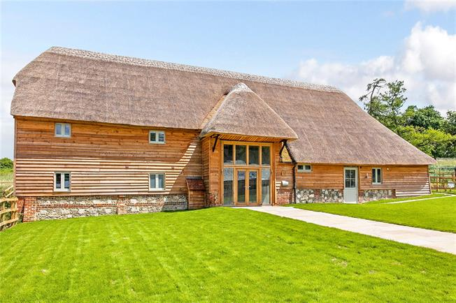 Guide Price £1,295,000, 4 Bedroom House For Sale in Twyford, Hampshire, SO21
