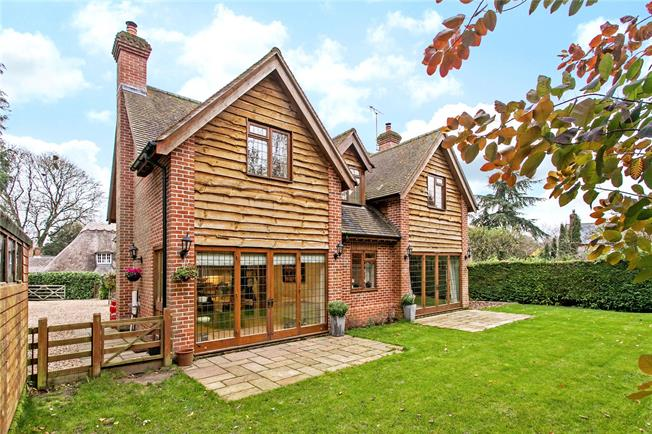 Guide Price £650,000, 4 Bedroom Detached House For Sale in Stockbridge, Hampshire, SO20