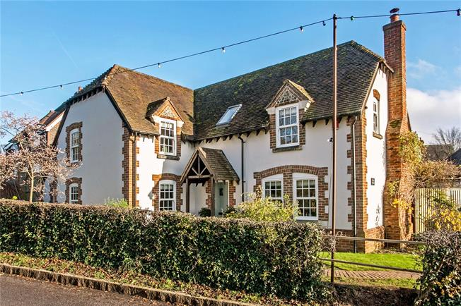 Asking Price £850,000, 4 Bedroom Detached House For Sale in Winchester, Hampshire, SO21