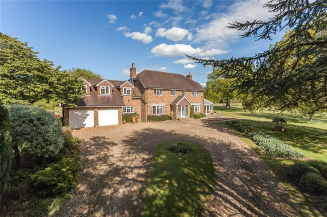 Guide Price £1,395,000, 5 Bedroom Detached House For Sale in Winchester, Hampshire, SO21