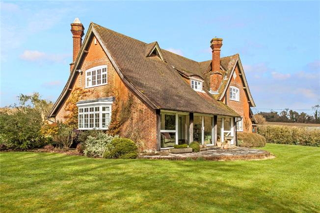 Guide Price £925,000, 4 Bedroom Detached House For Sale in Romsey, Hampshire, SO51