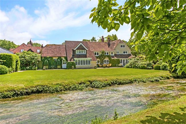 Guide Price £1,395,000, 5 Bedroom Detached House For Sale in Warnford, SO32