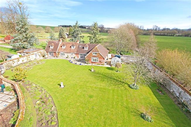 Guide Price £1,300,000, 5 Bedroom Detached House For Sale in North Houghton, SO20